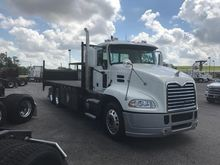 2013 MACK CXU612 Dump truck