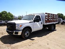 2016 FORD CAB AND CHASSIS FLATB