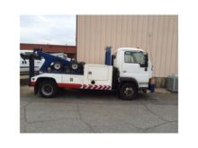 2009 UD 1400 WRECKER TOW TRUCK