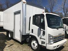 2010 ISUZU NRR Box truck - stra