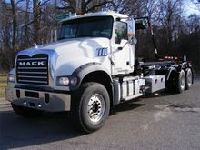 2017 MACK GRANITE GU713 GARBAGE