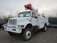 2002 INTERNATIONAL 4800 Bucket