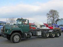 1990 MACK RD690S GARBAGE TRUCK