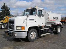 2000 MACK CH612 WATER TRUCK