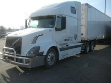 2006 VOLVO VNL Conventional - s