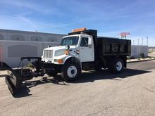 1995 INTERNATIONAL 4900 DUMP TR