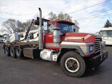 2001 MACK RD688S GARBAGE TRUCK