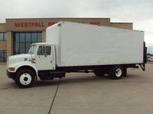2001 International 4700 Box tru
