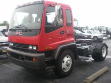 2000 GMC T7500 TRACTOR