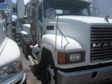 2004 MACK CH613 CONVENTIONAL -