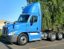 2012 FREIGHTLINER CASCADIA DAY