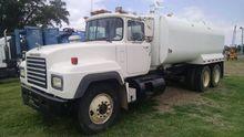 1994 MACK RD690P WATER TRUCK