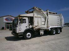 2003 MACK MR688S GARBAGE TRUCK