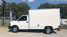 2009 CHEVROLET EXPRESS BOX TRUC