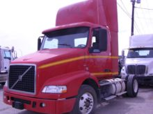 2007 VOLVO VNM420 CAB CHASSIS