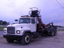 2002 MACK RD688S GRAPPLE TRUCK