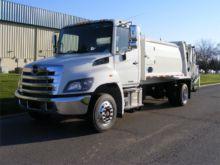 2017 HINO 258LP Garbage truck