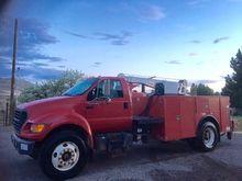 2003 FORD F750 Crane truck