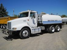 1998 INTERNATIONAL 9200 WATER T