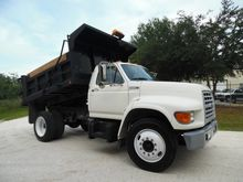 1997 FORD F700 CONTRACTOR TRUCK