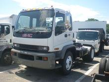 2000 GMC T7500 Tractor