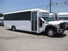 2016 CHAMPION DEFENDER 330 Bus