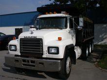 1998 MACK RD668 DUMP TRUCK