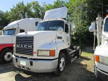 2000 MACK CH612 CONVENTIONAL -