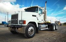 2007 MACK CHN613 Conventional -