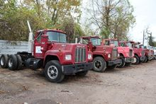 1982 MACK R686ST Conventional -