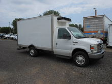 2009 FORD E-SERIES Box truck -