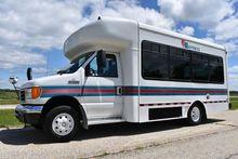 2006 FORD E-SERIES Bus