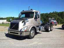 2016 VOLVO VNL Conventional - d