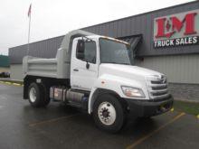 2012 HINO 268 Dump truck