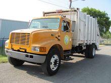 2001 INTERNATIONAL 4900 Garbage