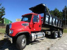 2016 FREIGHTLINER 114SD Dump tr