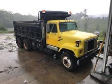 1999 INTERNATIONAL 2574 Dump tr