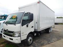 2017 HINO 195 Box truck - strai
