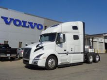 Volvo VNL64T760 Conventional -