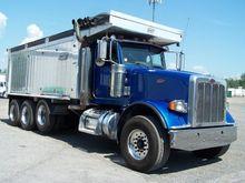 2009 PETERBILT 367 Dump truck