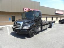 2015 HINO 258LP Rollback tow tr