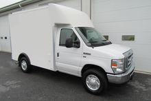 2011 FORD E-SERIES Box truck -