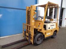 TOYOTA Diesel forklift truck 02