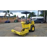 Used 2001 BOMAG 124D