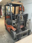 Toyota 5000lbs Forklift w/Side-