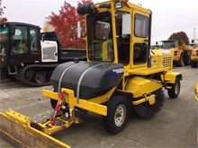 2015 SUPERIOR BROOM DT80J