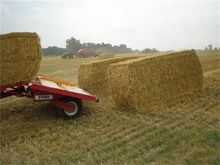 2016 Pomi Bale trailers for min