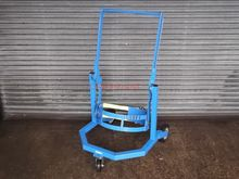 MOBILE DRUM LIFTER