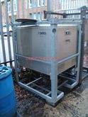 1,000 LITRE STAINLESS STEEL SQU