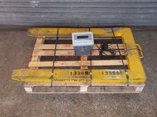 AVERY WEIGH-TRONIX PALLET SCALE